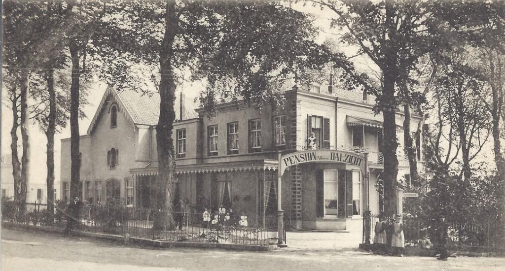 "Pension ""Dalzicht"" rond 1900."
