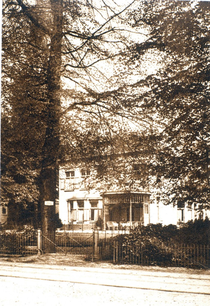 Westelijk van Eikenhorst de villa Mathilda waar lang de architect Benier woonde.