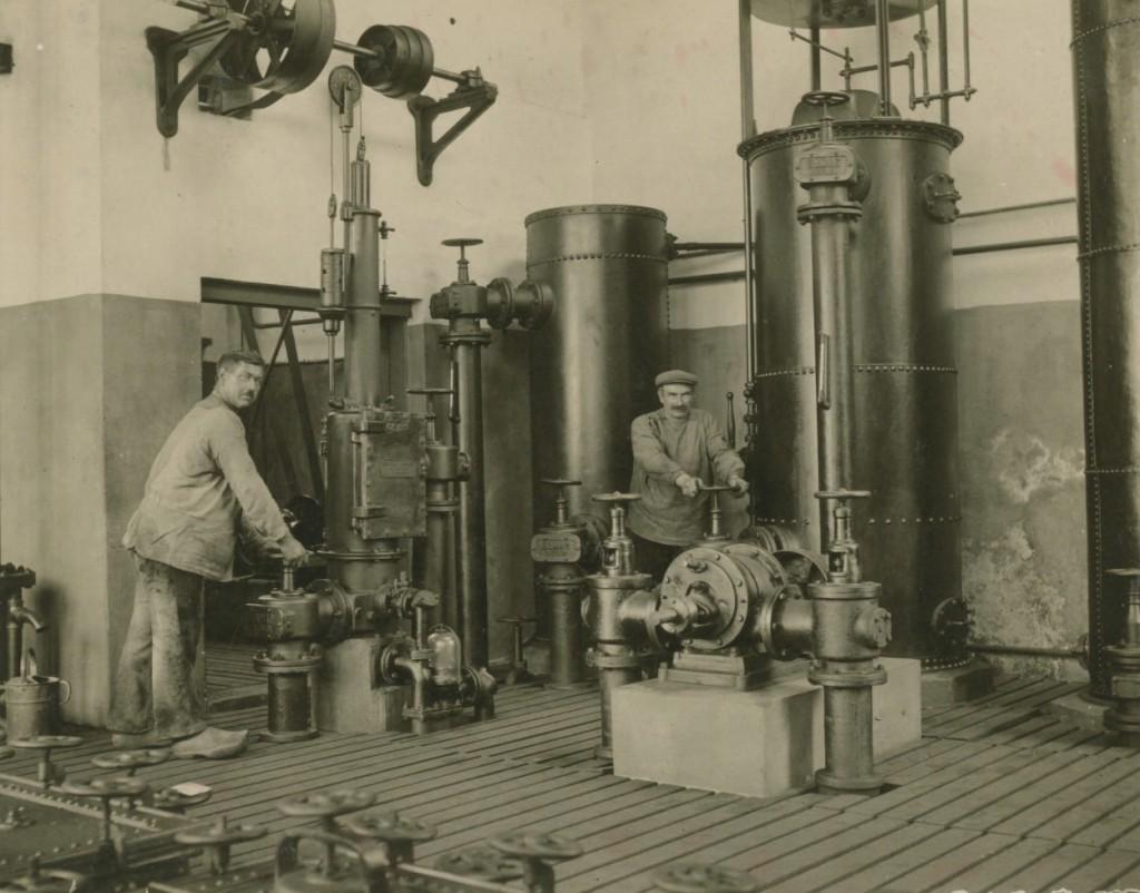 De machinekamer van de gasfabriek Oosterbeek.