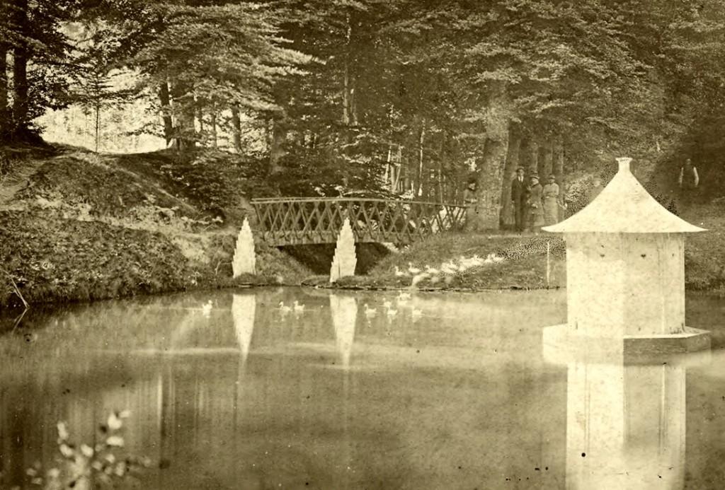 De nabij de waterval gelegen vijver van Mariendaal.