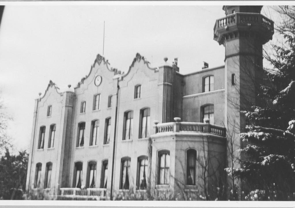 Het huis de Hemelse Berg, met zicht op de oostzijde, in de tijd van bewoning door de familie Beelaerts van Blokland.