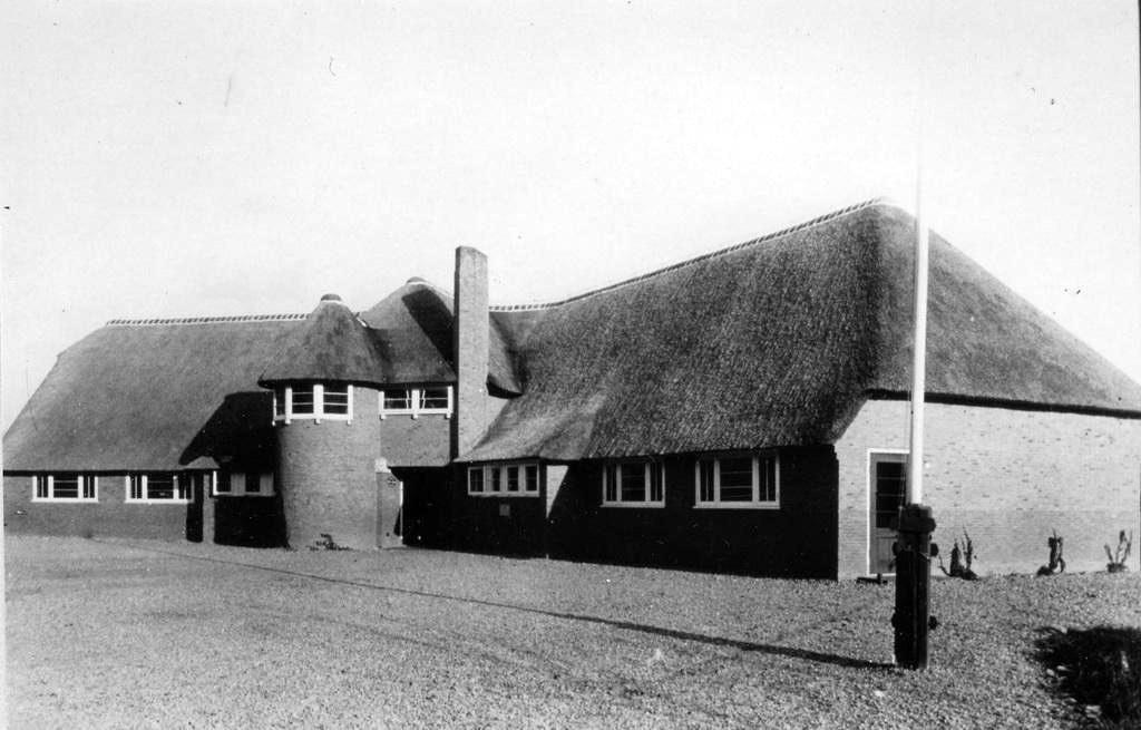 De Christelijke ULO school aan de Kneppelhoutweg.
