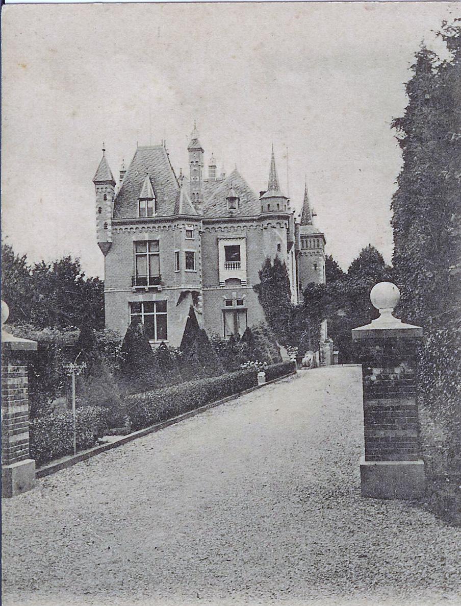 """Huis """"Sonnenberg"""" vanaf de Sonnenberglaan, uit het oosten, gezien."""