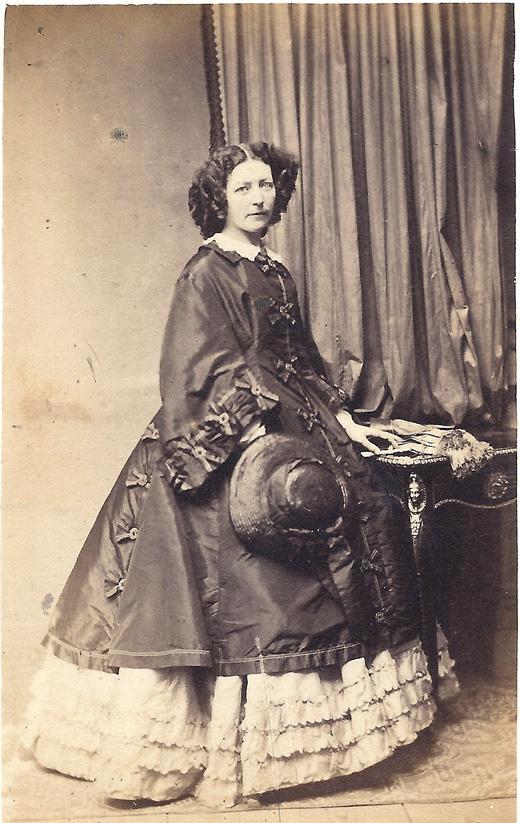 Ursula Kneppelhout- van Braam. Circa 1862.