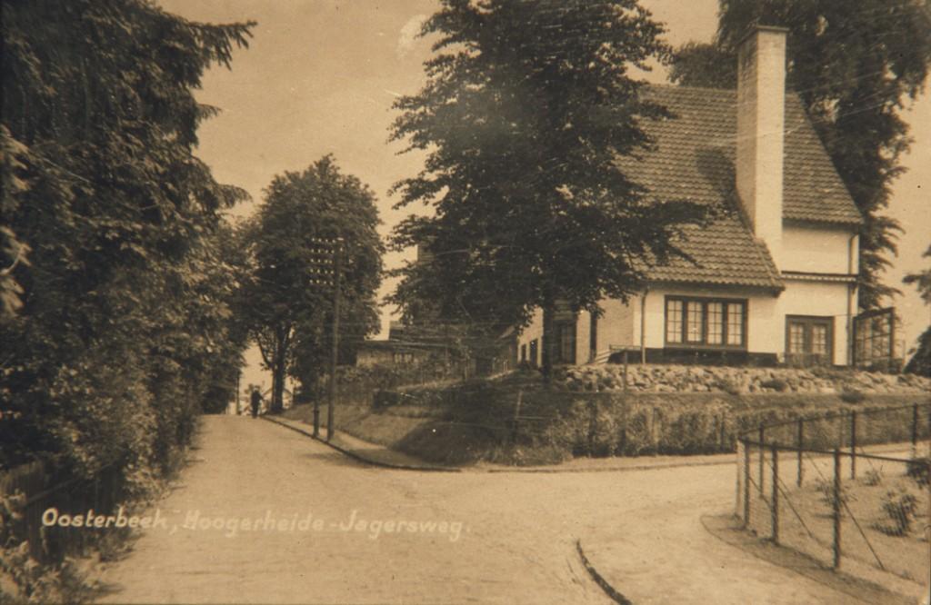 Het in 1925 in opdracht van de assuradeur G. André de la Porte gebouwde huis met als adres Jagerskamp 22 ofschoon de ingang aan Hogerheide ligt.