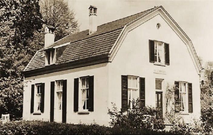 Pension Heuvelrust in de voormalige rentmeesterwoning van de Hemelse berg, nu Rustheuvel geheten.