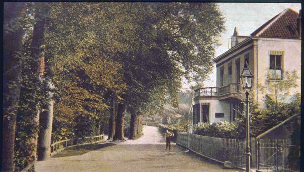 Holleweg later Kneppelhoutweg genoemd rond 1905. Links de afslag naar de Hoofdlaan.