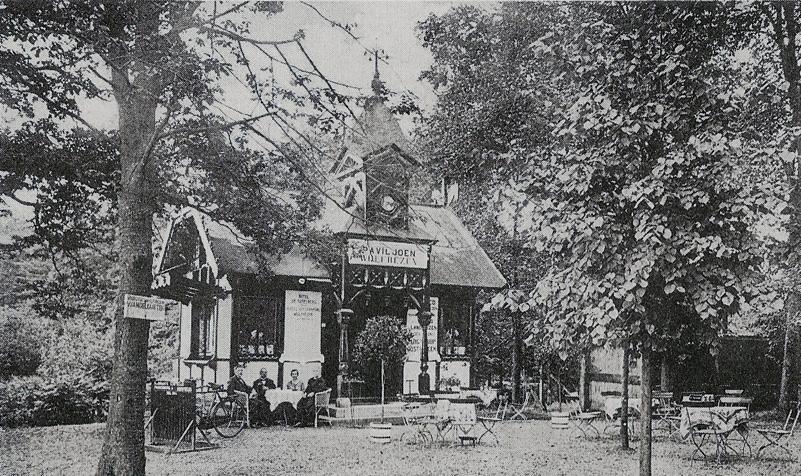 Het voormalig tramhuisje van de Arnhemsche Paardentram op de hoek Wolfhezerweg/Utrechtseweg.