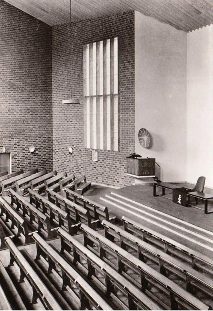 De goede herderkerk te oosterbeek en de architect frits - Makers van het interieur ...