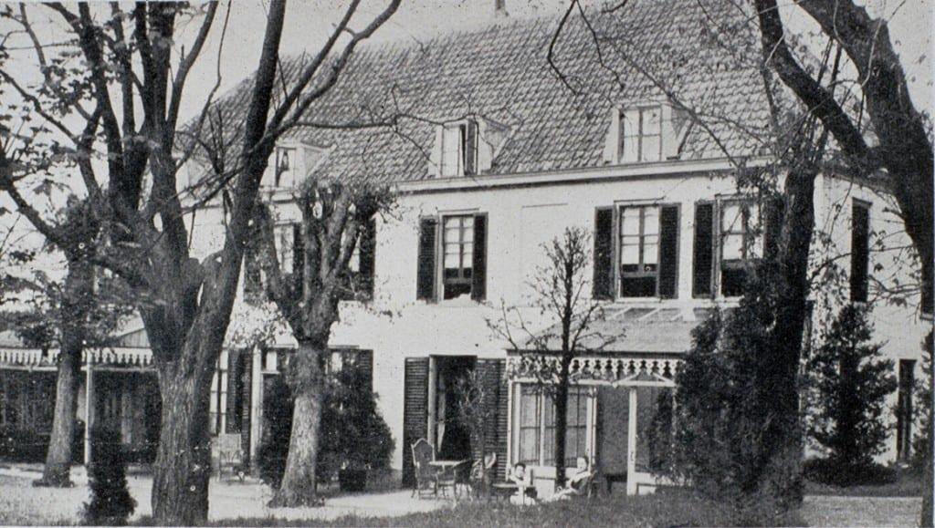 Achterzijde van hotel- pension Dreyeroord.