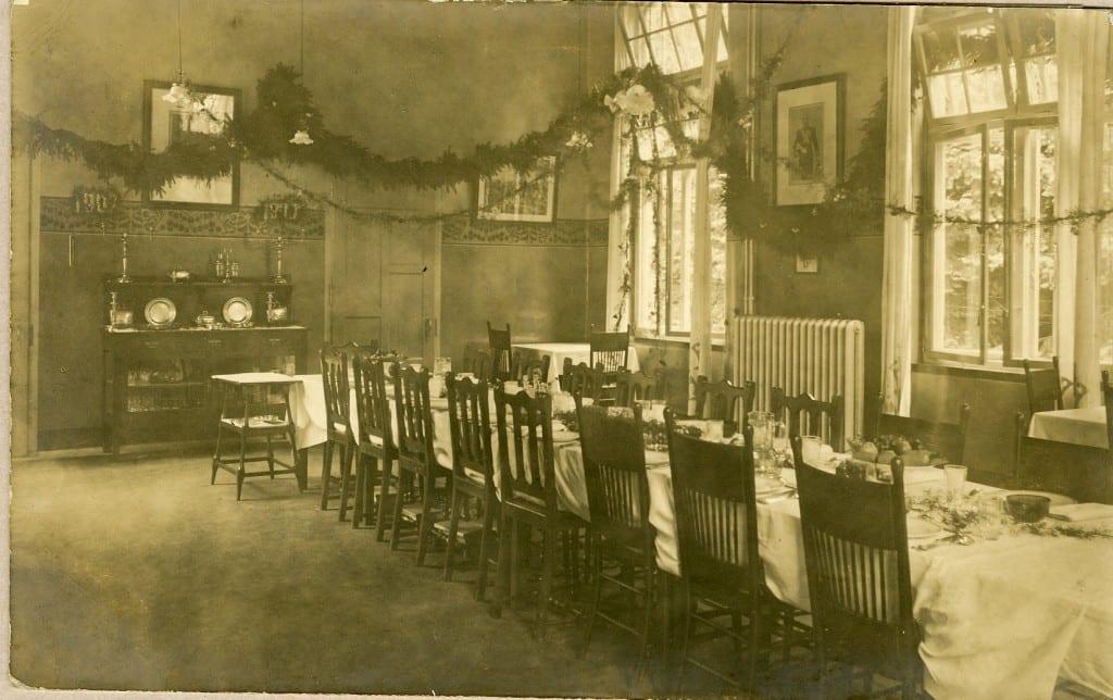 De eetzaal van het sanatorium ONO